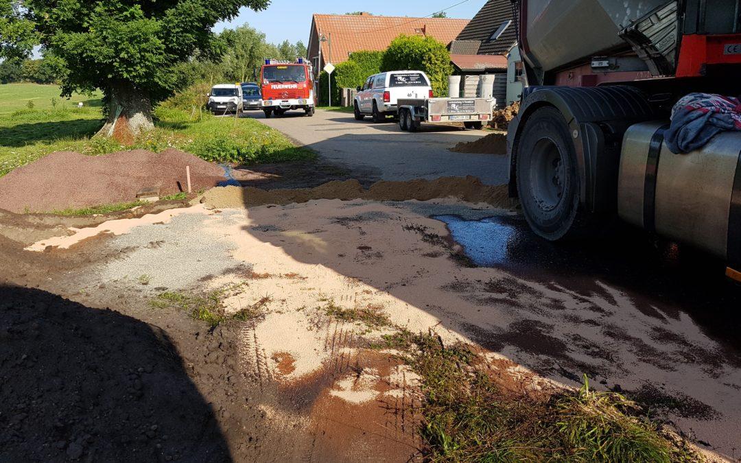 Einsatz: Ausgelaufenes Hydrauliköl